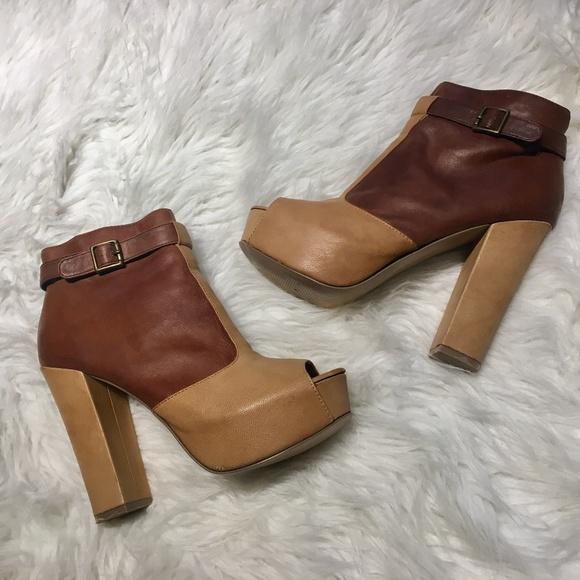 339ca63697a Steve Madden Shoes - SteveMadden 8.5 2-tone ankle boots peep toe